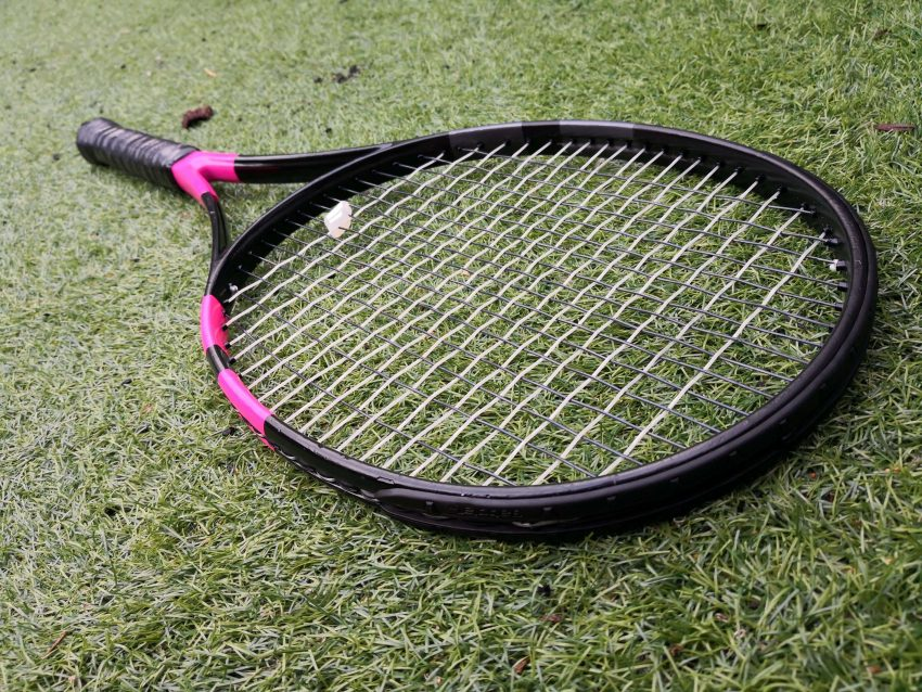Can You Spray Paint A Tennis Racket