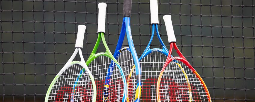 Tennis Racquet Oversize Vs Midplus: Which Should You Choose